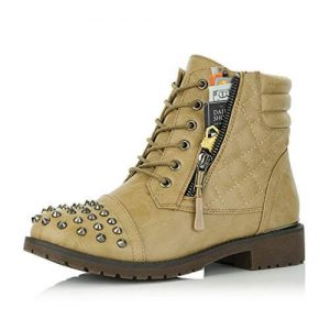 best work boots for women by dailyshoes photo